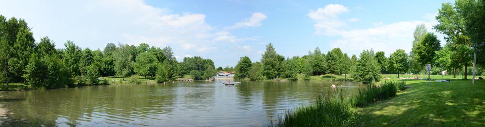 Panoramabild der Naturbade-Anlage in Arnstein