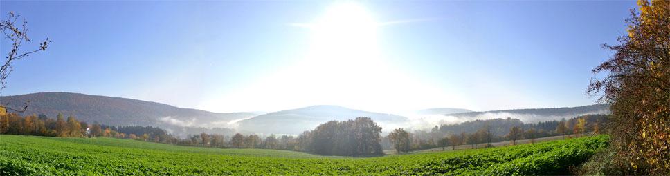 Das Sinntal bei Schaippach mit leichtem Herbstnebel
