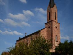 Dem Himmel entgegen - Kirche in Fellen