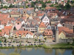 Blick von der Karlsburg auf die Karlstadter Altstadt