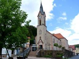 Am Dorfplatz von Heigenbrücken