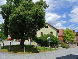 Dorfline und altes Schulhaus