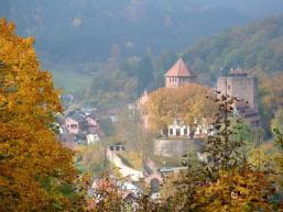 Rieneck mit Burg im gefärbten Spessart