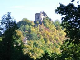 Hoch über Trimberg thront die Burg