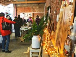 Scheunenverkauf in den Innenhöfen des Spessart Dorfes