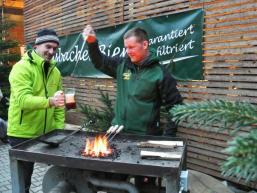 Der Braumeister in Aktion, live auf dem Adventsmarkt in Mittelsinn