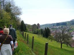 Wandergruppe auf dem Burgweg Rieneck
