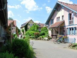 Im Stil eines alten Dorfes - nur in modern