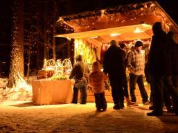 Marktstand der Waldweihnacht im Spessart