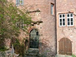 Eingang zum Treppenturm des Fronhofer Schlösschen