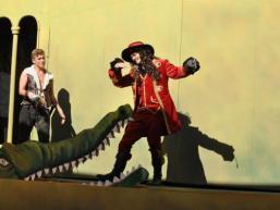 """Szene aus dem Bühnenstück für Kinder """"Peter Pan"""""""