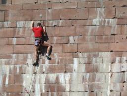 Die Herausforderung suchen - Klettern am Brückenpfeiler