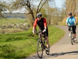 Tourenradfahrer im Sinngrund