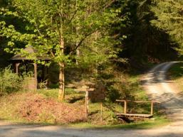 Waldpavillon und Schutzunterstand im Fliessenbachtal