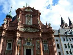 Kirche Neumünster - Romanische Basilika