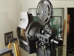 Alter Filmprojektor im Film-Photo-Ton Museum von Gemünden