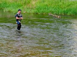 Hobby Fliegenfischen oder Angeln im Naturpark Spessart