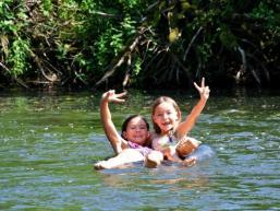 Badespaß im Flüsschen Sinn bei Rieneck