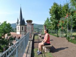 Halte Inne im Ronkarzgarten Gemünden