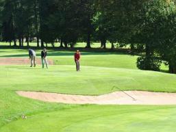 Genuss und Sport - Golfen
