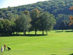 Liebliches, malerisches Saaletal mit Golfanlage