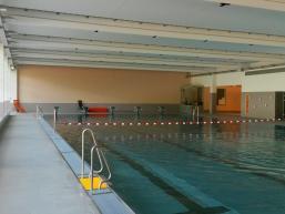 Schwimmerbahnen des Hallenbades von Gemünden