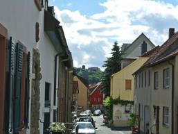 Schloss Saaleck thront über Hammelburg