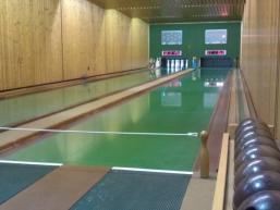 Sport und Spaß beim Kegeln