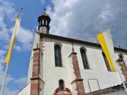 Eingang zur Klosterkirche in Schönau
