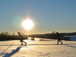 Wintersport im verschneiten Spessart