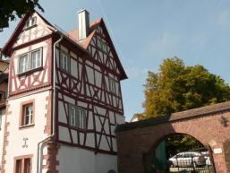 Historische Stadtmauer und Fachwerk