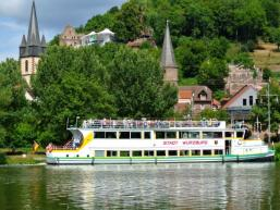 """""""Stadt Würzburg"""" liegt vor Gemünden am Main"""