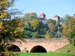 Burg Rieneck thront auf dem Berg