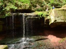 Im Saaletal findet sich ein Wasserfall