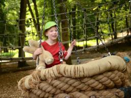 Kinder haben ihren Spaß im Wildpark